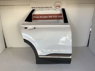 2019 2021 Hyundai Santa Fe right rear door for Sale in Houston,  TX