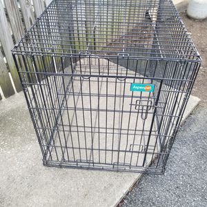 Metal Dog Crate 42 By 28 By 31 for Sale in Harrisburg, PA