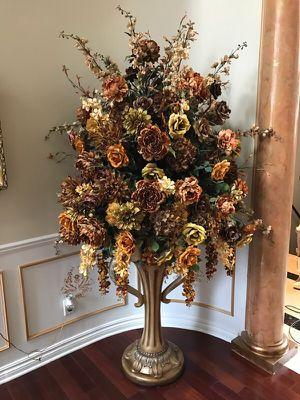 Flower decor for Sale in West Bloomfield Township, MI