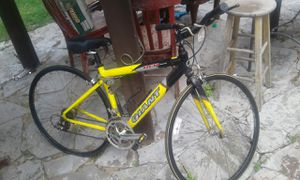 GIANT BUTED ALUMINUM 10 SPEED 44CM SMALL MENS BIKE for Sale in Houston, TX