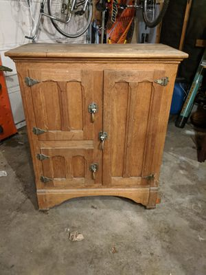 Antique ice box for Sale in Puyallup, WA