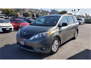 2013 Toyota Sienna for Sale in Hayward, CA