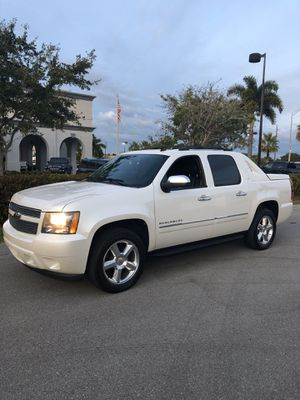2011 Chevrolet Avalanche LTZ Extremely Clean Excellent Condition for Sale in Punta Gorda, FL