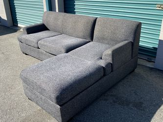 Free Delivery 🚚 Beautiful Gray Sectional Couch for Sale in Ontario,  CA