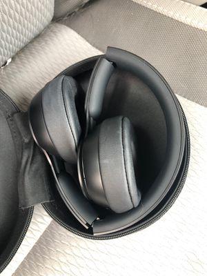 Noise canceling solo pro beats headphones wireless for Sale in Rockville, MD