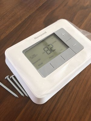 Honeywell 5-2 day programmable 2H/2C thermostat for Sale in San Carlos, CA