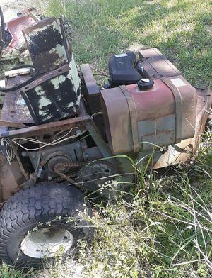 Grass hopper lawn mower 60 inch cut for Sale in Brentwood, TN