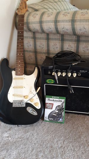 Guitar with amp and a game for xbox one. for Sale in Davenport, IA