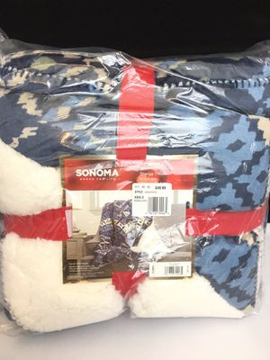 Sonoma Sherpa Throw 50x60 Navy Chevron for Sale in Whitesboro, NY