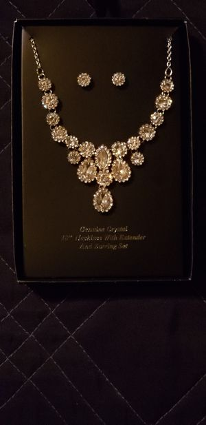 Cristal Dimond Necklace for Sale in Beaumont, CA