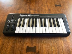 Alesis Q25 for Sale in Porter, TX
