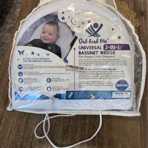 Bassinet Wedge for Sale in Smithtown, NY