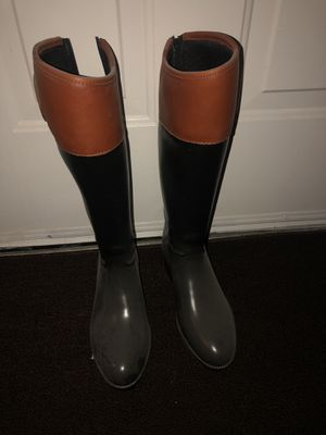Tory Burch Rain boots only worn once to try on and did not fit me. Size 8. for Sale in Boca Raton, FL