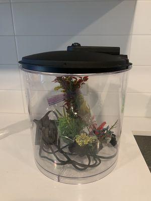 Imagitarium 2 gallon fish tank with accessories for Sale in Los Angeles, CA