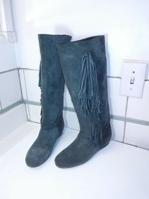 "Sundance catalog Grey Suede Leather knee high boots. Fringe. Leather lining, 2"" hidden heel inside boots. Size 7 for Sale in Long Beach, CA"