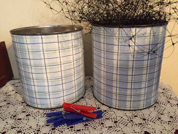 Classroom display net and laundry pins