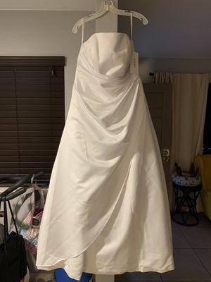 David's Bridal Strapless A Line Wedding Dress for Sale in Las Vegas, NV