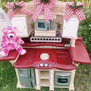Kids Kitchen Like New for Sale in Montclair, CA
