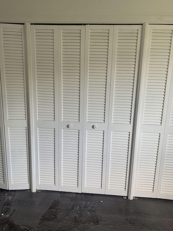 6 Closet doors (24in)