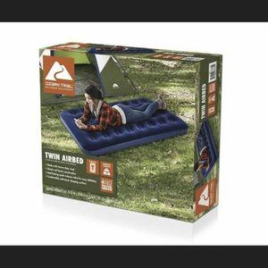 Ozark Trail Twin Air mattress for Sale in Macomb, MI