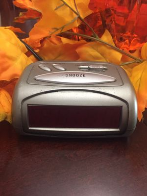 Small digital alarm clock for Sale in Hialeah, FL