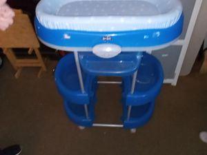 Baby Basanet diaper changin station/bathtub. for Sale in Freehold, NJ