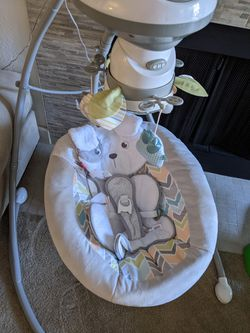 Fisher Price Snugapuppy Baby Swing for Sale in Everett, WA