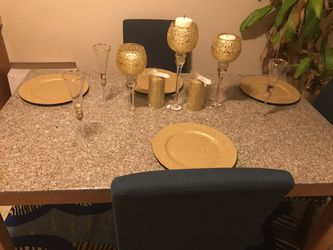Dining set! I am getting new set don't need it $150 for Sale in Renton,  WA