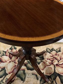 Vintage Regency Style Lamp Parlor Table for Sale in Hatfield,  PA