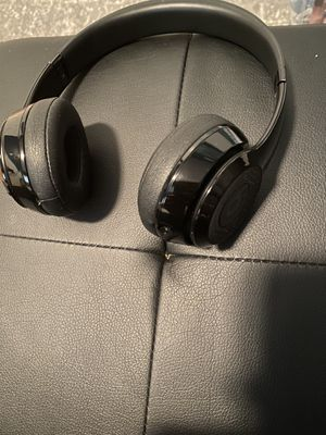 Beats solo 3s for Sale in Saint CLR SHORES, MI
