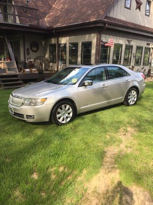 2008 Lincoln MKZ very very good condition no rust, dents, Or scratches like new tires, sunroof, all power stereo CD player 280,000 Miles all highway for Sale in Varna, IL