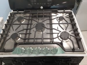 Frigidaire gas Cooktop with 5-burners new with 6 month's warranty for Sale in Mount Rainier, MD