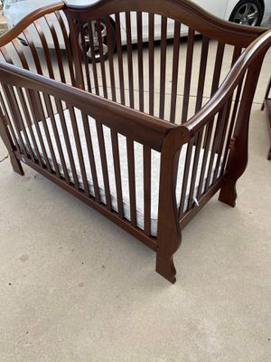 Crib, mattress and changing table for Sale in San Diego, CA