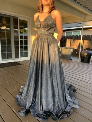 ED YOUNG. Prom Ball gown dress. Size M. Only worn once. for Sale in Fresno, CA