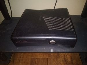 Xbox 360 15 plus games and 4 controllers for Sale in Pineville, LA