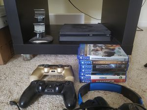 Ps4 bundle for Sale in Hillsboro, OR