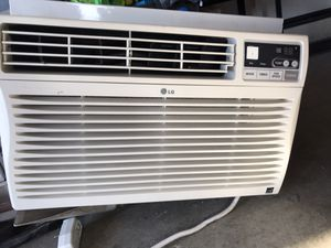 AC unit, small, window ——$75 for Sale in San Diego, CA