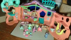 My Littlest Pet Shop Clubhouse and Pets Collection for Sale in Brooklyn Park, MD