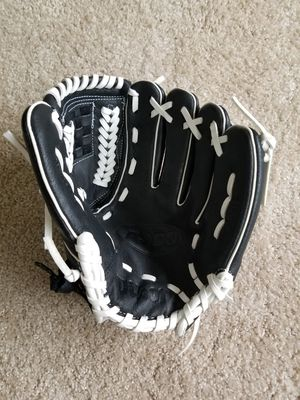 "Wilson kids' 10"" T-Ball A360 Series Glove - Right-Hand Throw for Sale in Portland, OR"