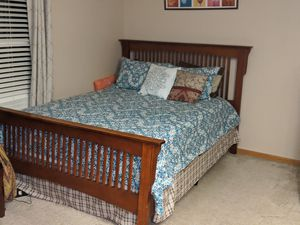 Queen Bed Set for Sale in McKees Rocks, PA