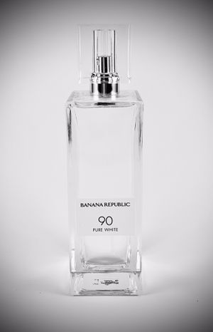 PENDING PICK UP Banana Republic Pure White 90 Eau de Parfum 3.4oz for Sale in Thornton, CO