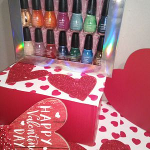 14- Piece Wet N Wild Nail Polish Set For Valentine's Day for Sale in Greenbelt, MD