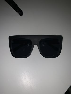 QUAY SUNGLASSES for Sale in Gilbert, AZ