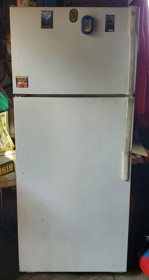 Frigerator Freezer GE for Sale in Phoenix, AZ