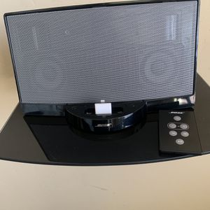 Bose Sound Dock Speaker With Adapter for Sale in Kingsburg, CA