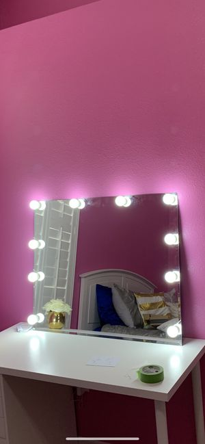 Vanity makeup light up mirror for Sale in Valrico, FL
