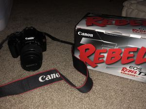 CANON EOS REBEL T3 for Sale in Orlando, FL