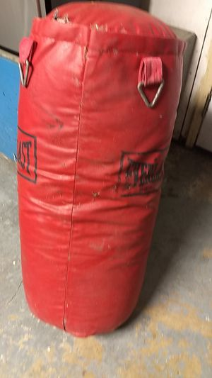 Punching bag $20 for Sale in Chula Vista, CA