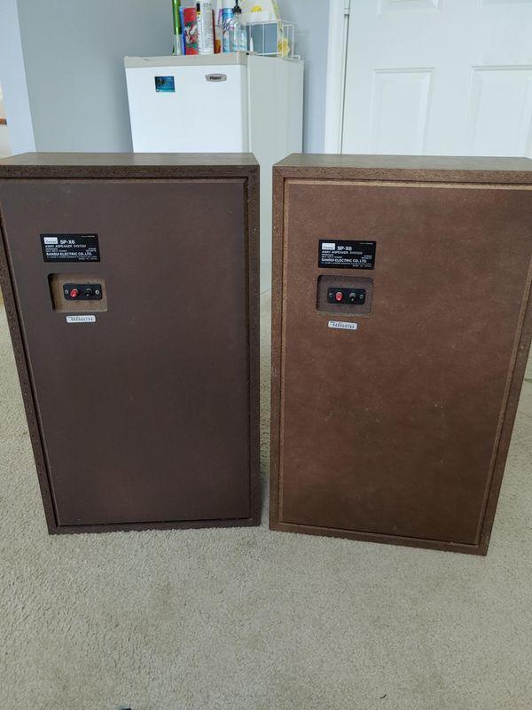 Vintage Sansui SP-X6 speakers