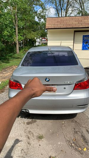 530i Bmw Silver for Sale in Cleveland, OH